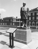 Huntington_collis_statue_up_medium