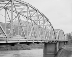 192661pu_waterstreetbridgep_medium